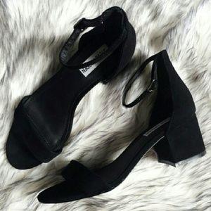 NEW Steve Madden Irenee sandals